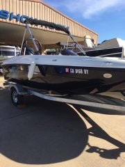 Pre-Owned 2017  powered Bayliner Boat for sale