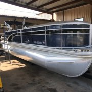 Used 2018 Bennington Power Boat for sale